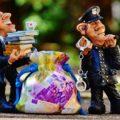 転売は違法なのか?違法な内容と過去犯罪になった3つのケースから、転売の違法性を分析!